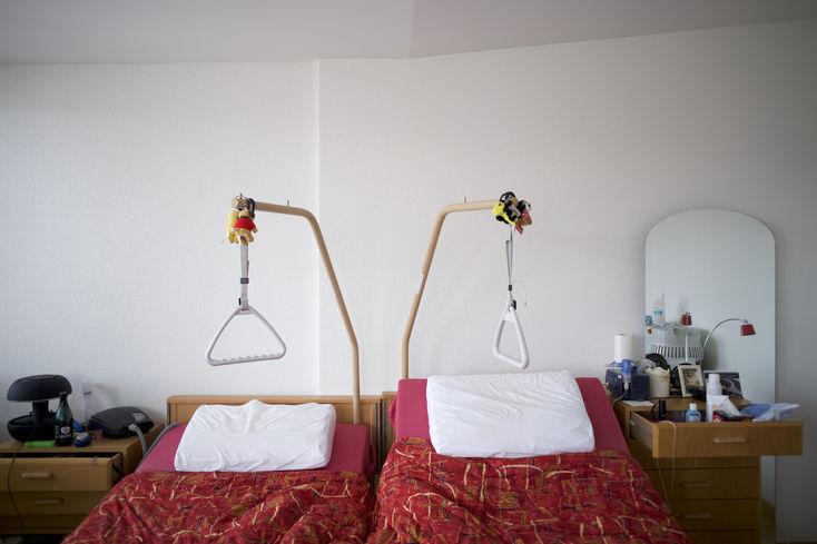 Pflegebetten (Fabian Biasio)